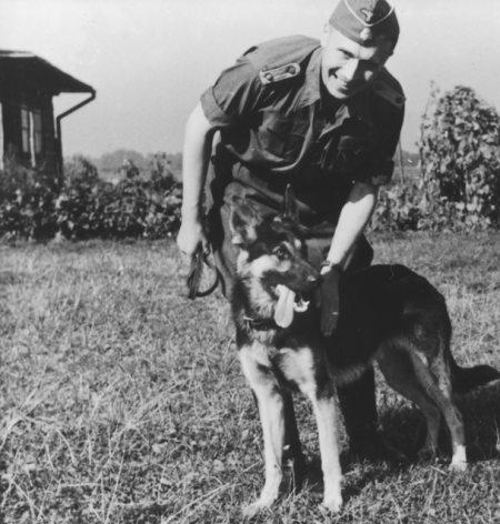 Karl Hoecker et son chien